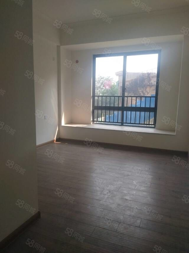 碧桂園電梯洋房帶花園有證可以貸款改善三居室