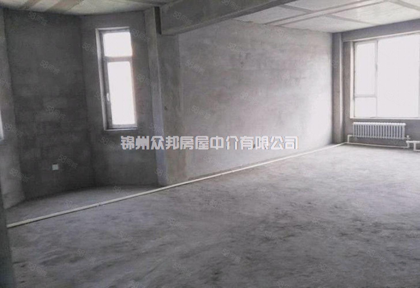 米蘭印象出售三越四帶閣樓房本面積210平米3700一平便宜