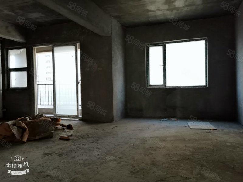 元泰未来城电梯湖景房,133平大三房送小花园房东急售75万