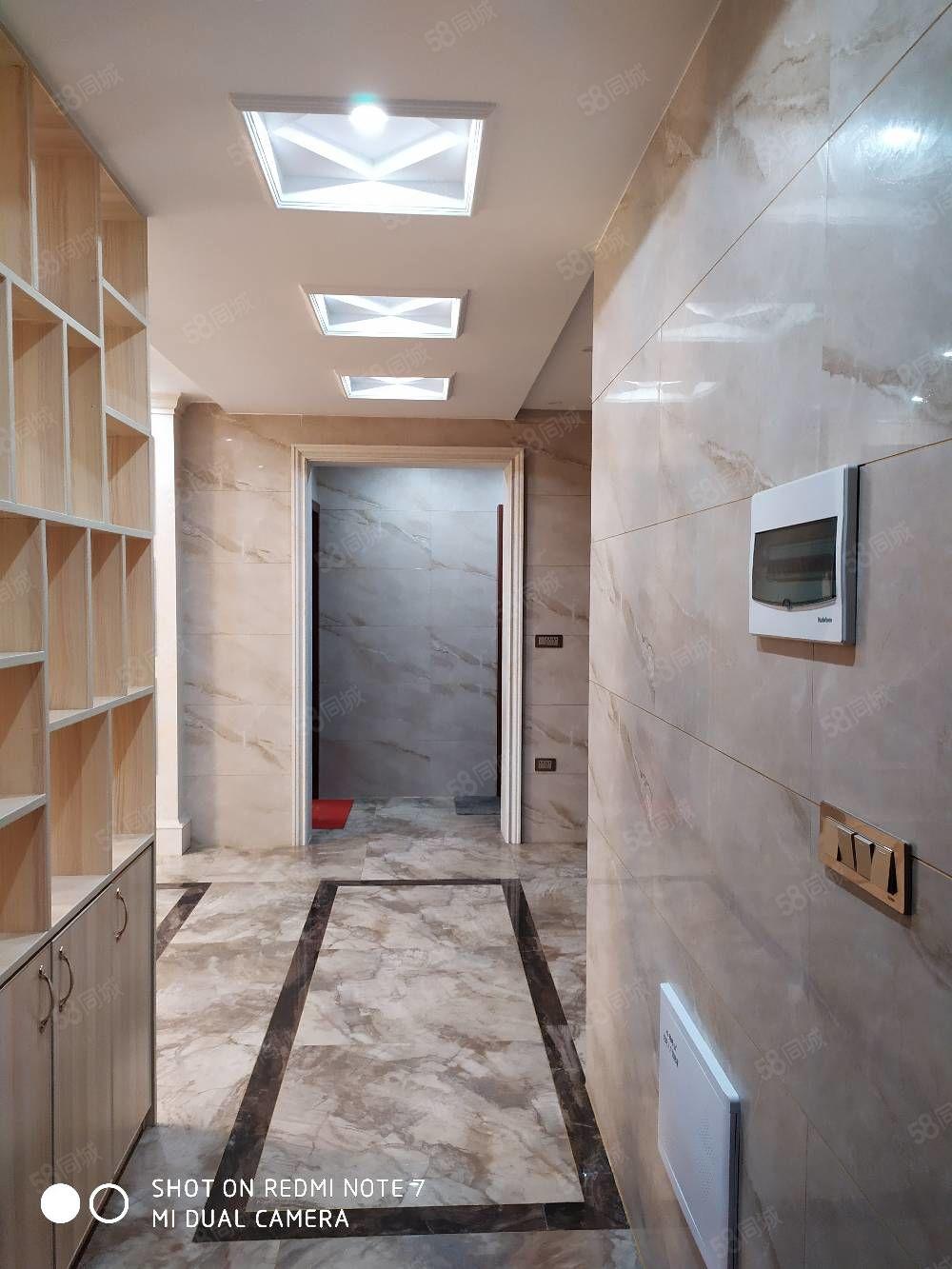 吴楚花都电梯精装修电梯房豪华装修急售房子很新房东没住几天便宜