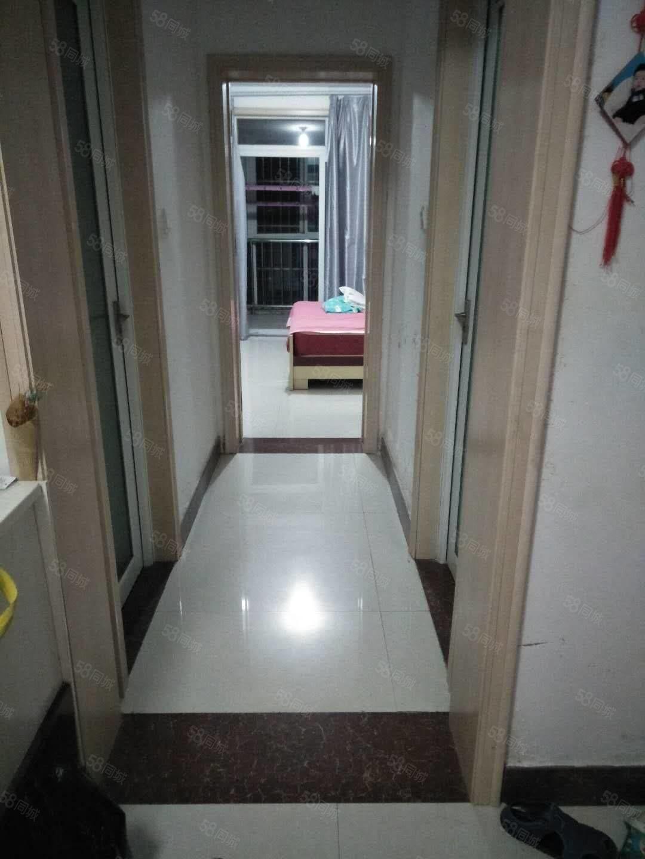 出售翠湖龙庭边户4楼60平,2室2厅中装,带储,可分期
