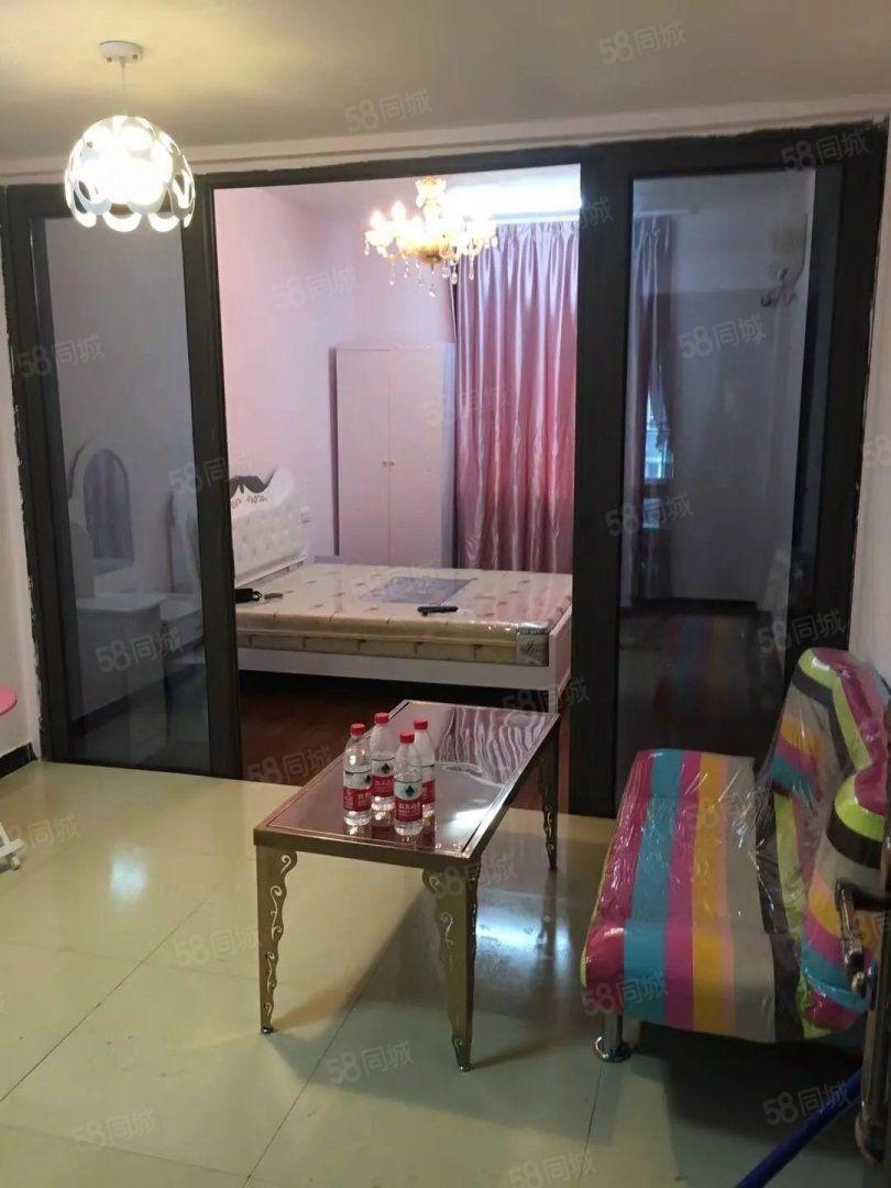 新城物化天宝旁上堡公寓一室一厅一厨一卫精装修2500