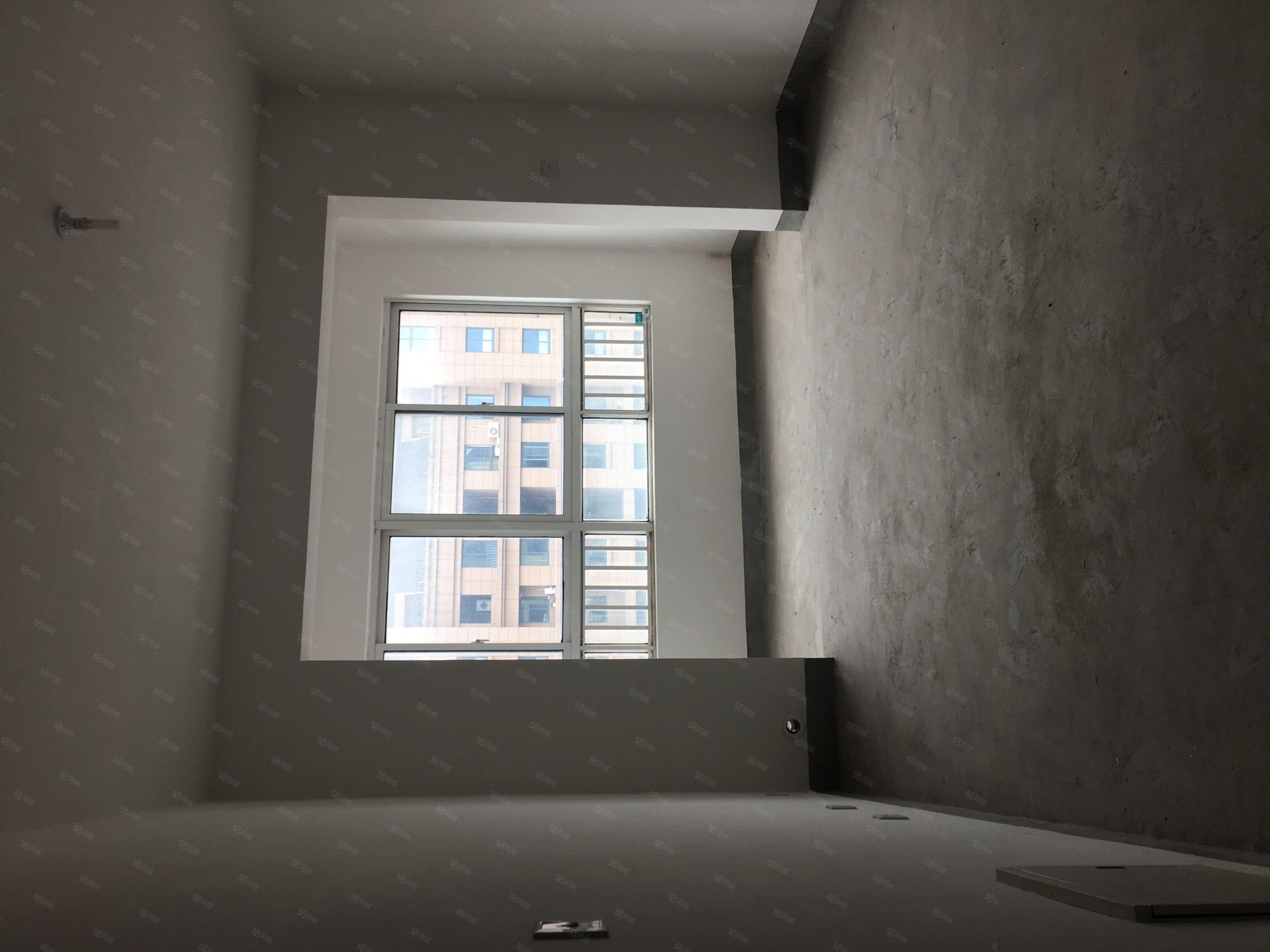 東大街如意家園101平方車位3室2廳1衛109.8萬