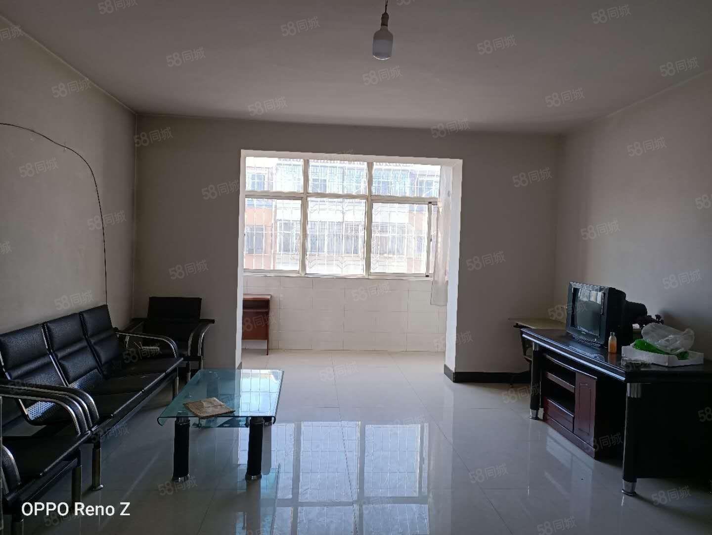 出租金沙園四樓120平米三室簡單裝修拎包入住