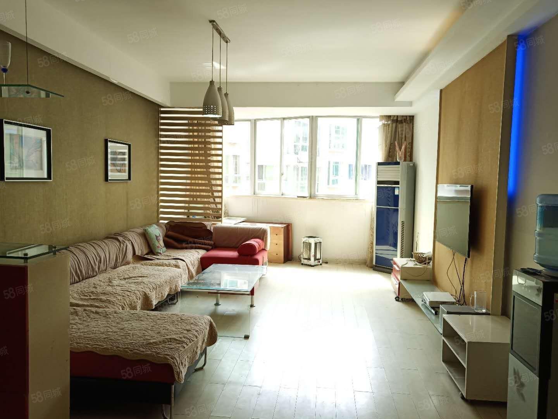 市中心地段锦江广场三室二厅二卫出售