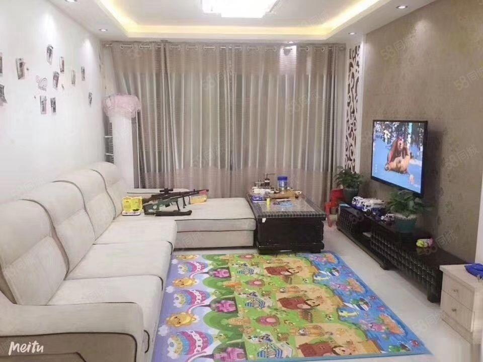 万和城卖95万20层95平米两居赠一居实际面积105小三居。