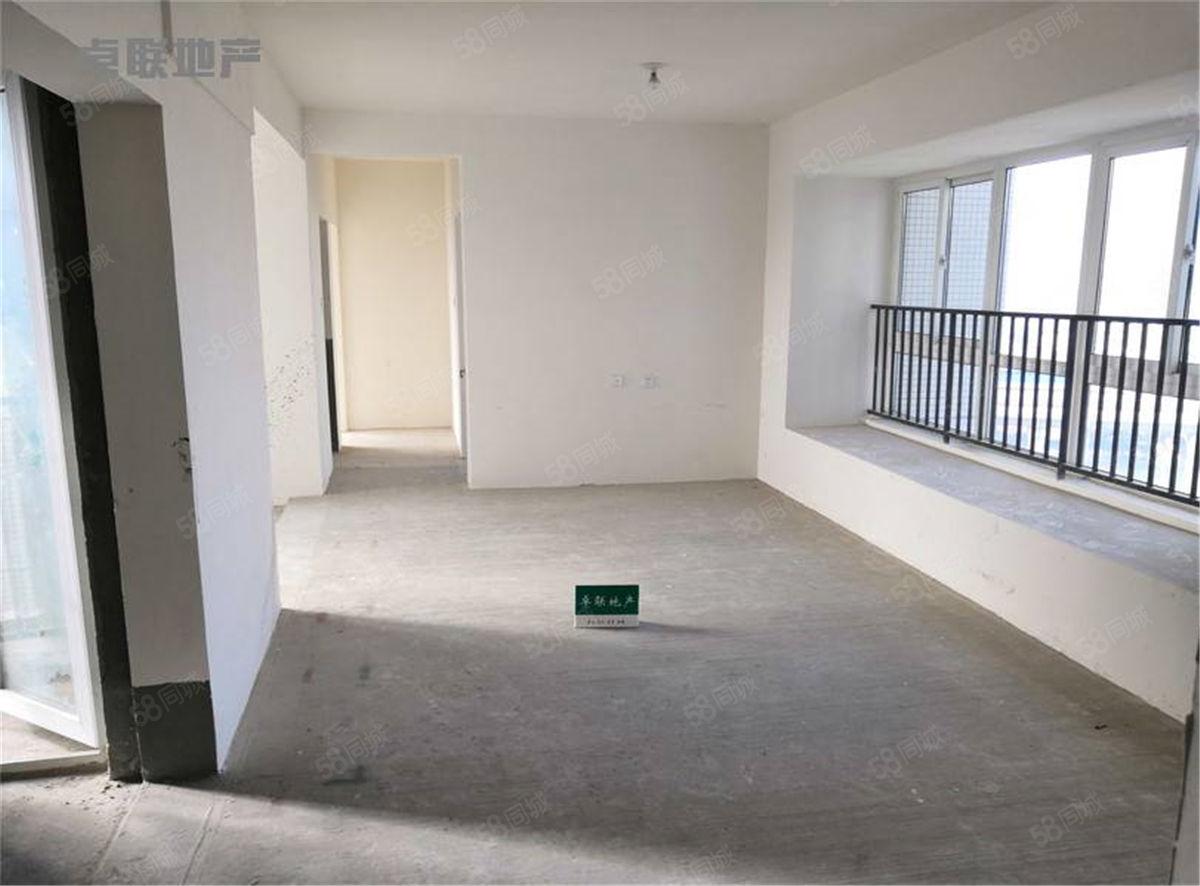 单价只要7000多可改套四随时看房中间楼层次新小区