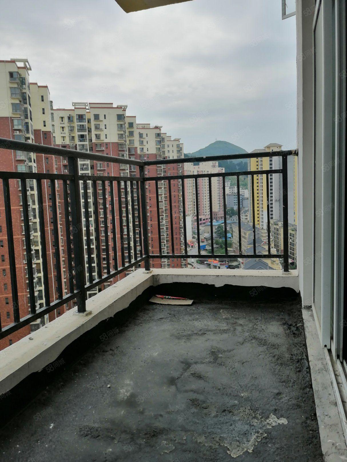 书香名苑对面82小区,两房两厅一厨一卫,低于市场价可留尾款