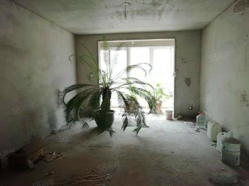 翔宇花园钻石楼层满五南北通透大三房,有证可按揭