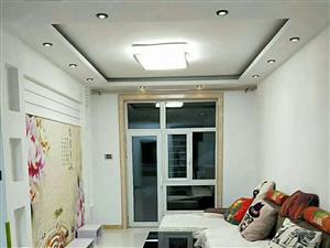 开发区凤凰蓝湾一楼带花园77加30平精装两室标准格局