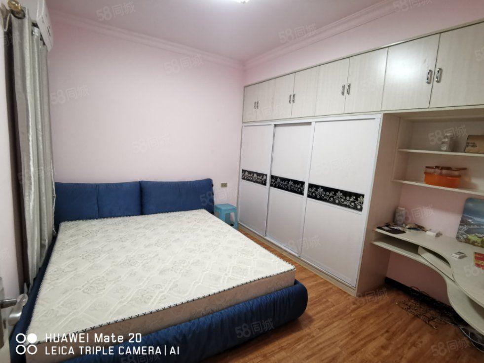 火车站五寰清水湾两室两厅拎包入住