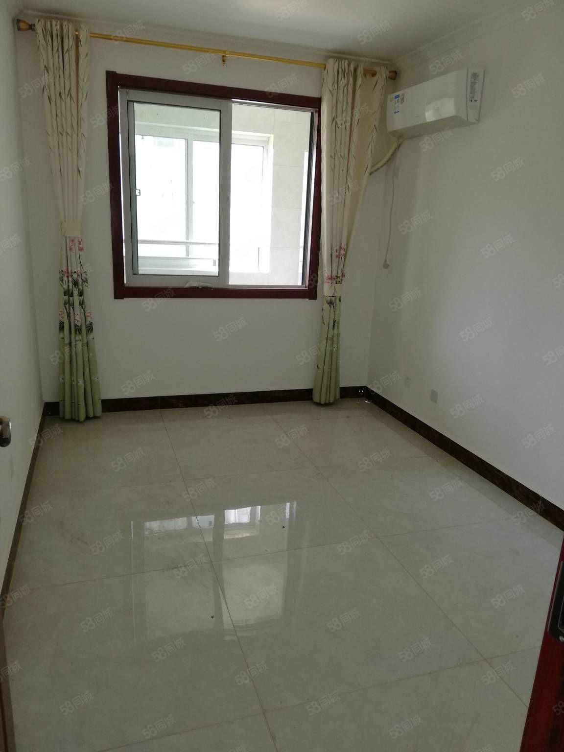 天竹佳苑,精装修,新房未住,两室两厅,配套完善,花园式小区。