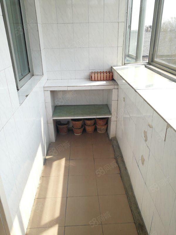 啤酒厂宿舍小三室水果市场龙潭路3楼灵芝小区新华城