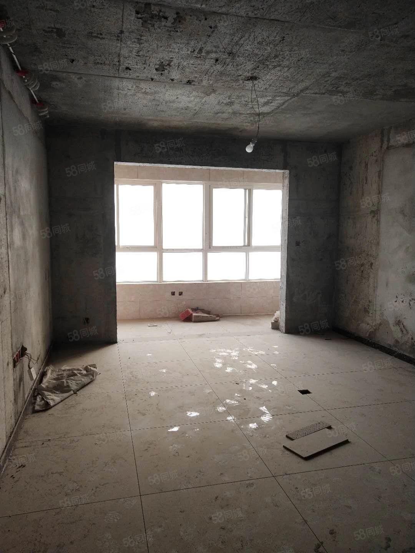 福星花园三室两厅两卫,南北通透,全明户型!