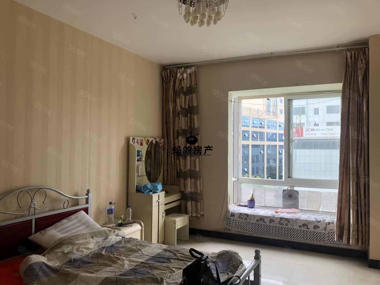 天景园.城中世纪广场旁新小区.江南国际对面.带床.带热水器