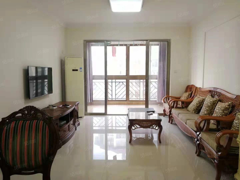 精装两房,高档家具,首次出租,低价急租,低价急租