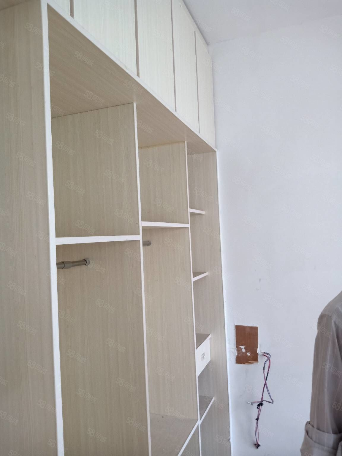 民安小區兩室中裝,拎包入住,電梯洋房,看房隨時,環境優美。