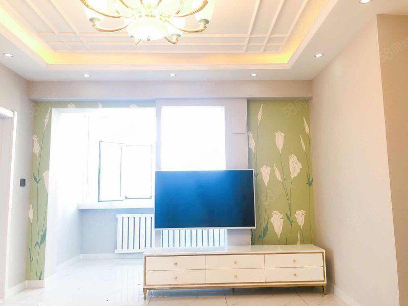 遠望電梯房,兩室一廳,精裝修帶品牌家具家電,景園校區房。