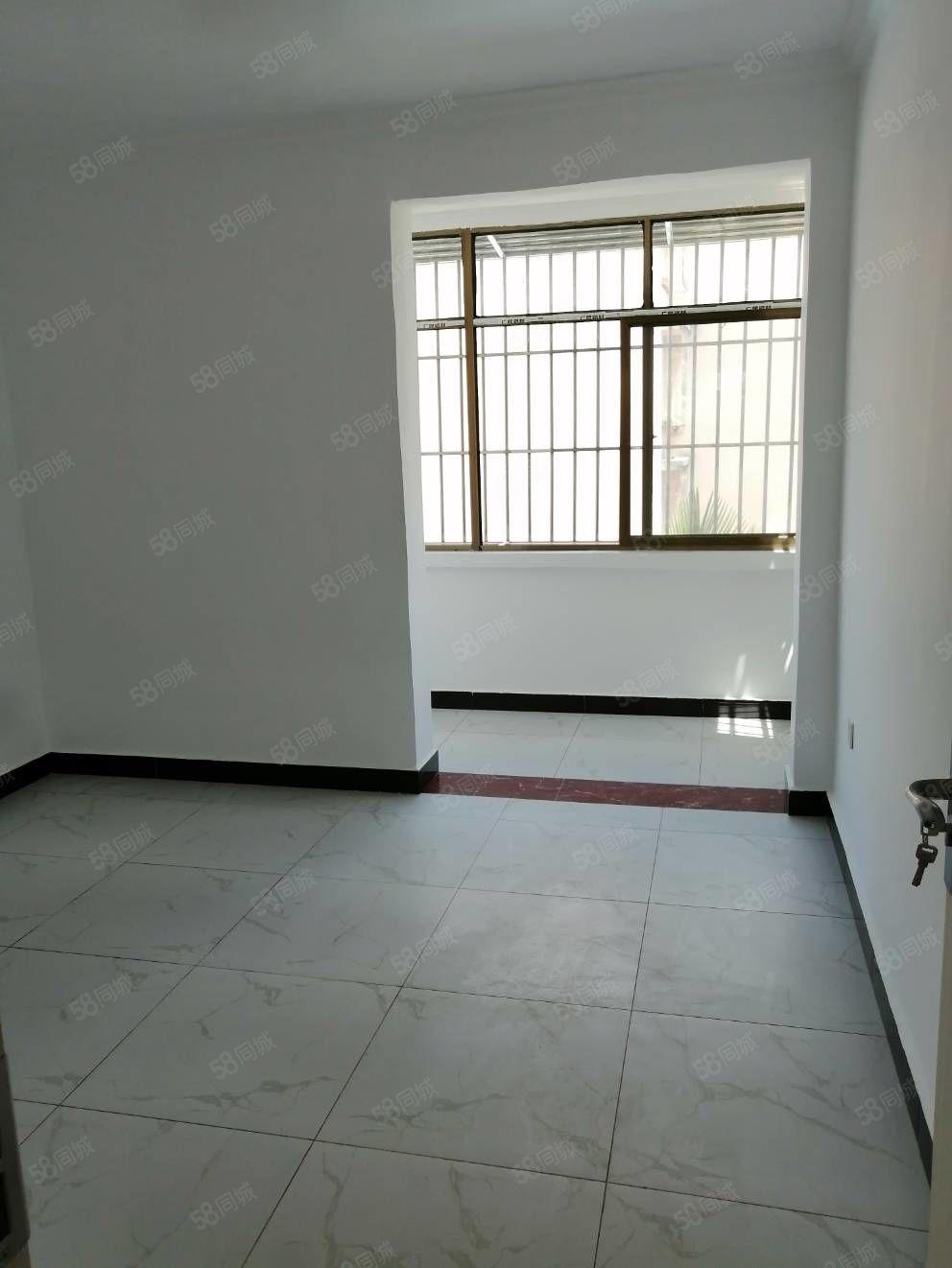 站长安园精装修65平米温馨2居室44万房东要求公积金贷款