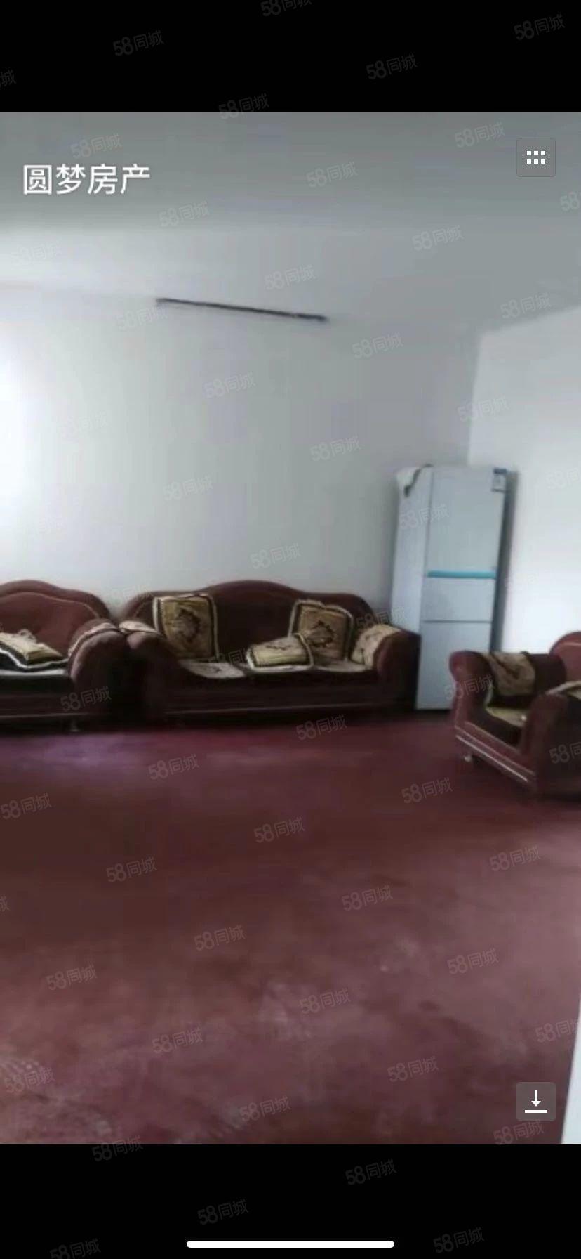 浍水路雅迪电动车楼上精装修未住三室一厅房间干净