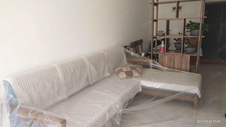 学海路天德中心新小区靠南湖精装2居室出租带家具家电新装修