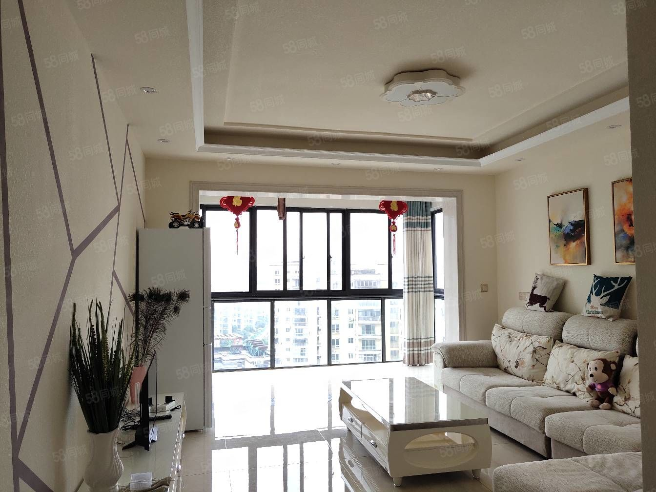 袁山公园旁都市春天精装2房2厅1卫,南北通透全新家具家电。