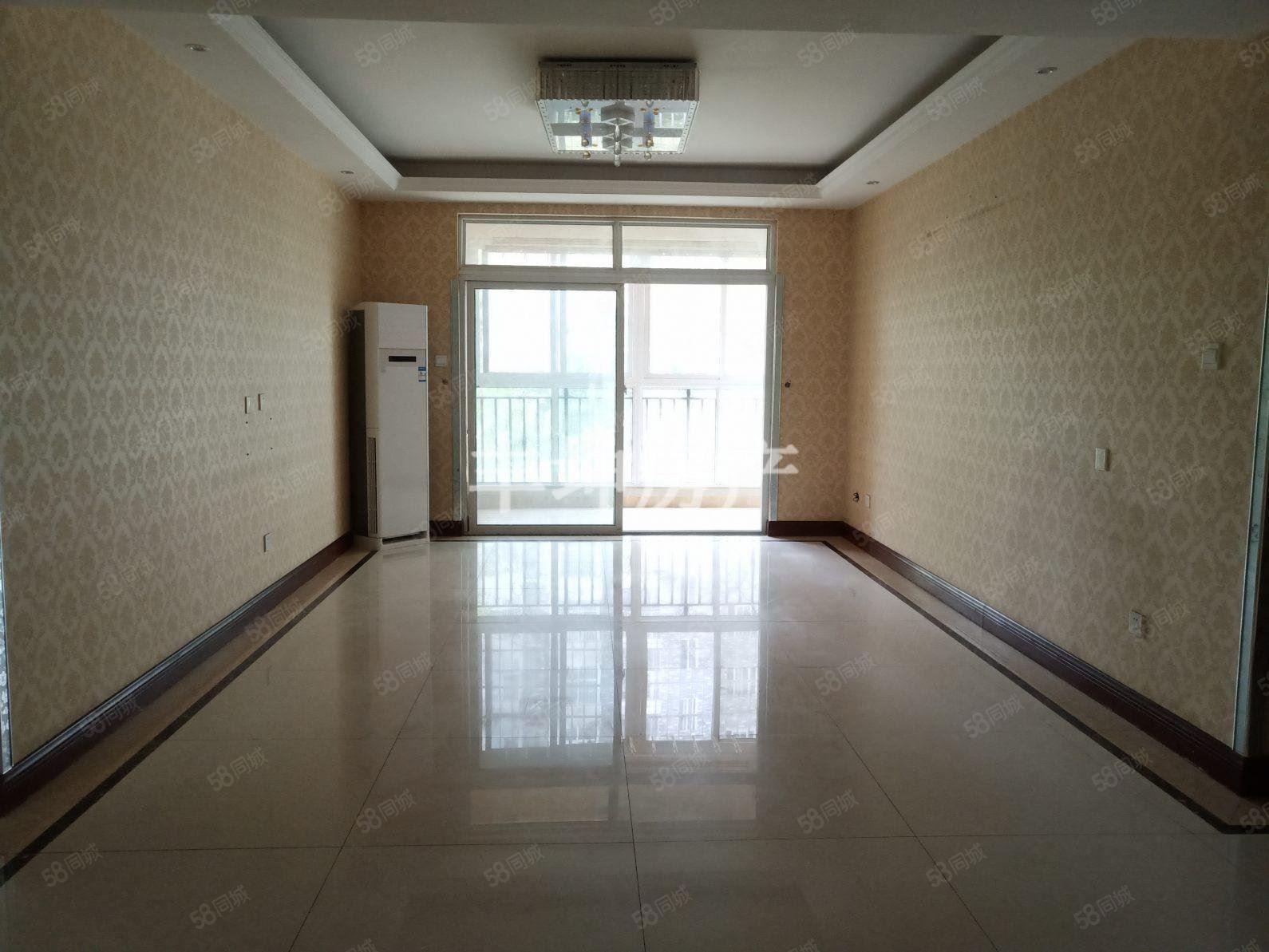 江边滨江半岛3室精装修空房有证在手可按揭