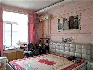 周转急用钱,好房特卖盛世华庭166平精装修复式楼,可按揭