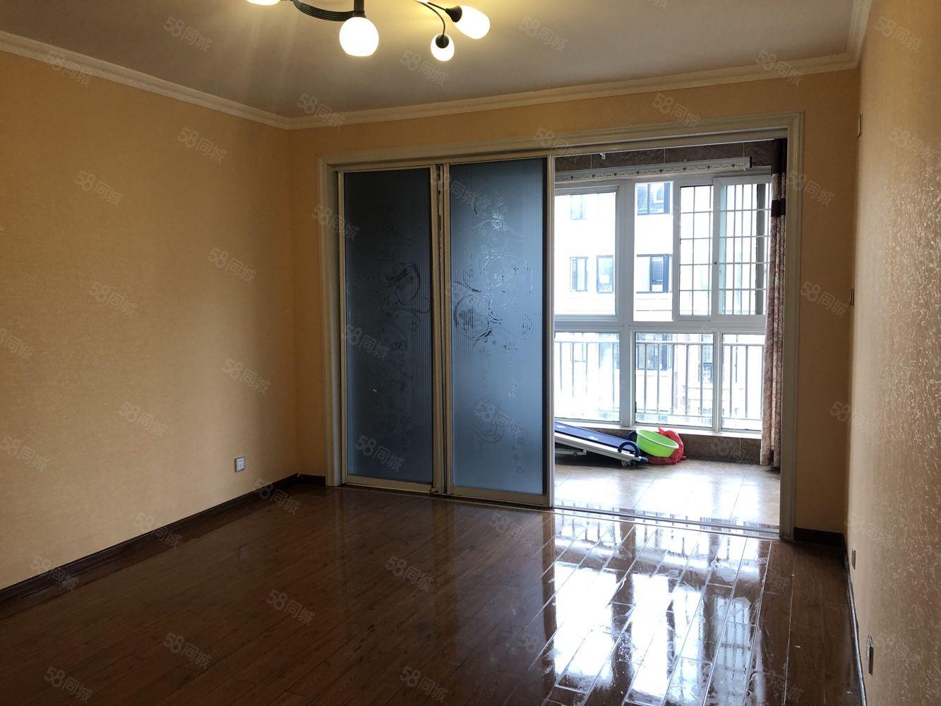 香格里拉多层五楼三室两厅两卫送储藏室79户