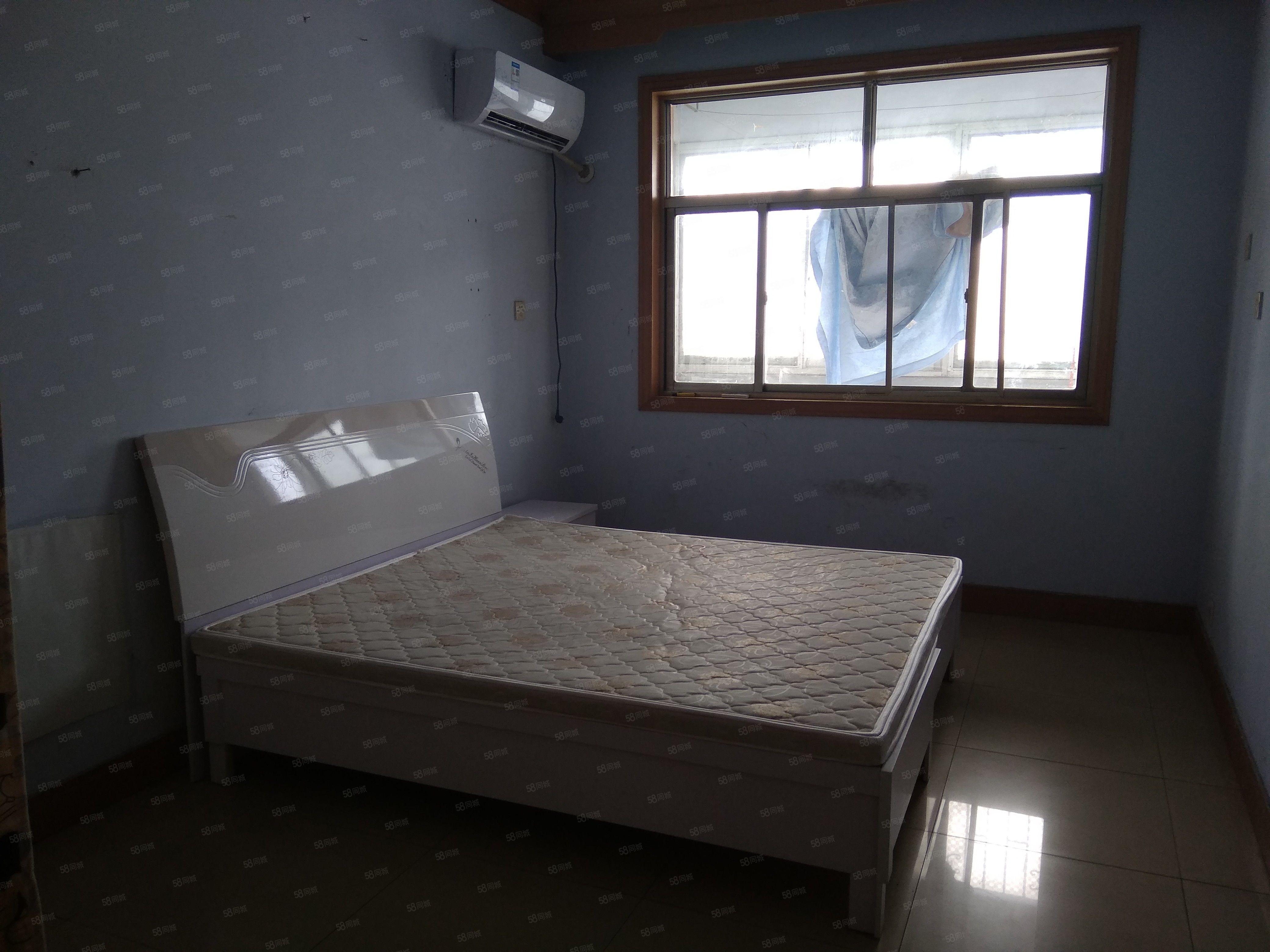 金达建材市场精装两室拎包即住靠近火车站