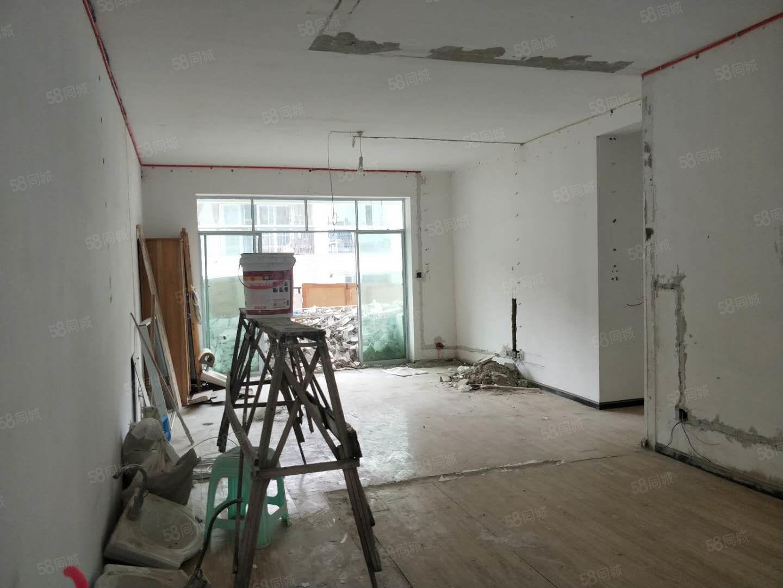 南白鑫南丽锦三室两厅步梯7楼首付8.8万即可