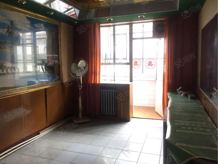 小西街62.04平米3楼,二室二厅,可办按揭