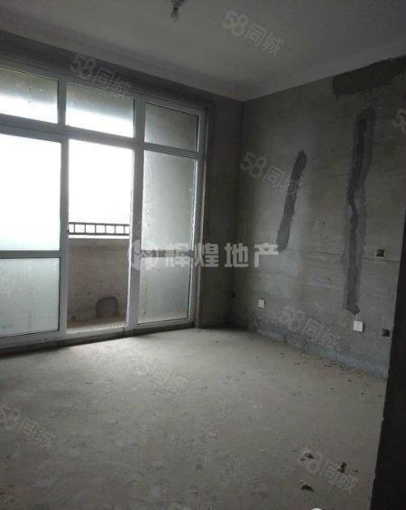 市府旁天明城超低价3室2厅1卫,可按揭可实地看房。
