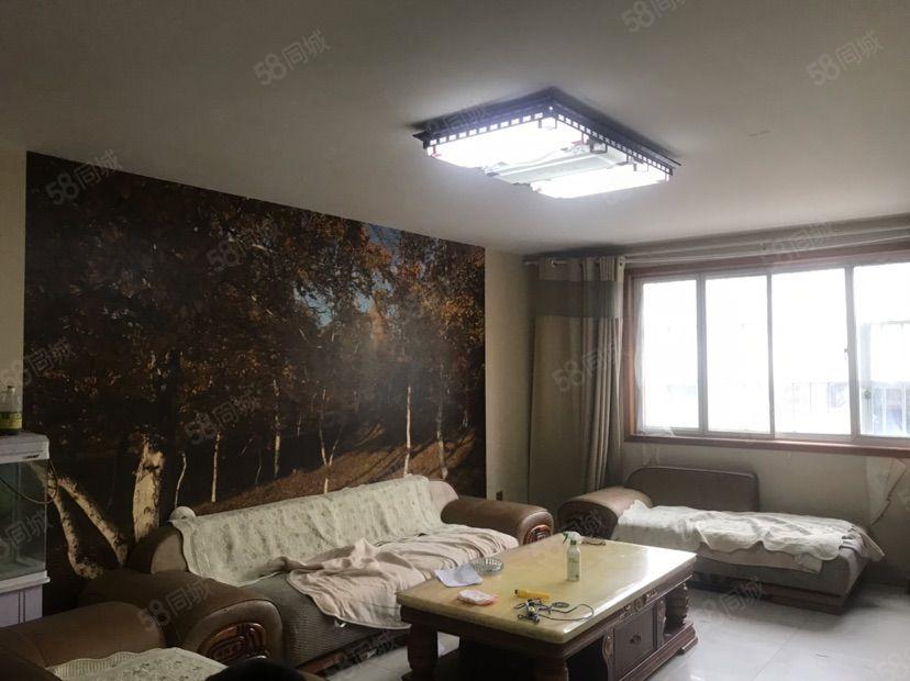 东顺一楼精装166平4室两厅两卫车库35平75万可贷