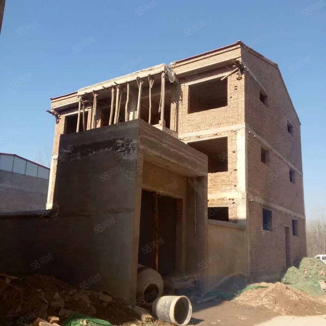王岗新建小院有集体证宅基地建房