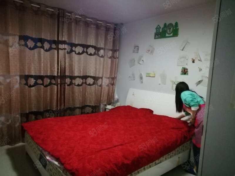 澳门星际网址森海豪庭5室套房复式家具家电齐全
