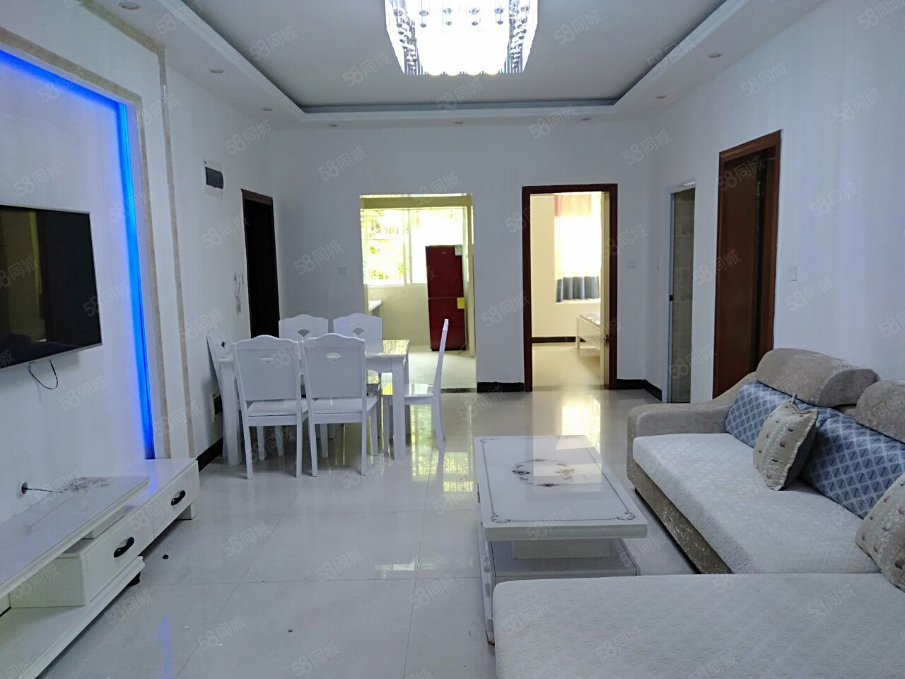 世纪苑1楼地面抬高1米2室2厅73平米精装修家具电器齐全