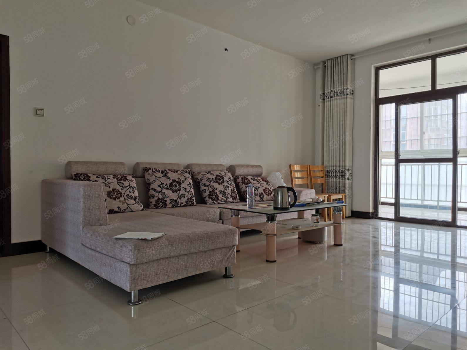漯河一高附近锦绣松江3楼95平简装两室急售57.5万,无个税