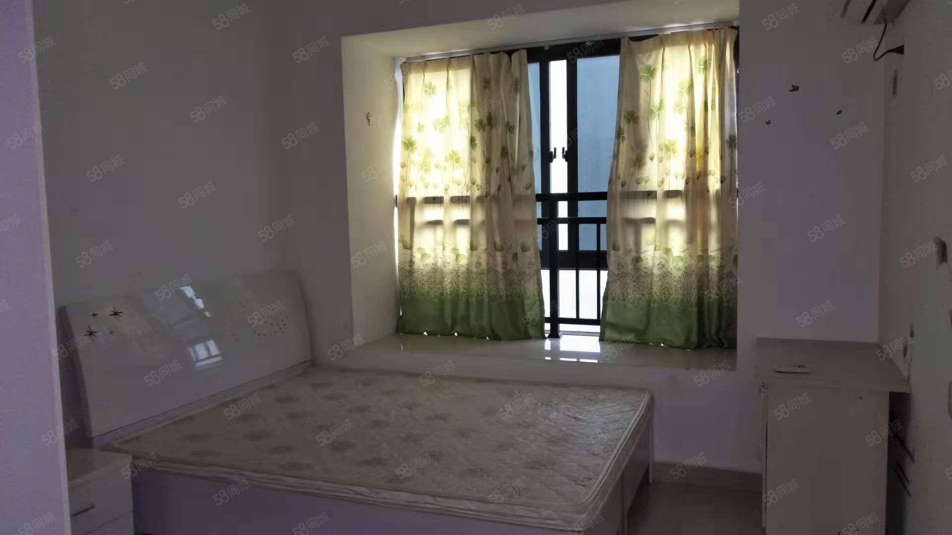 东方今典中央城新出的2室,看房方便