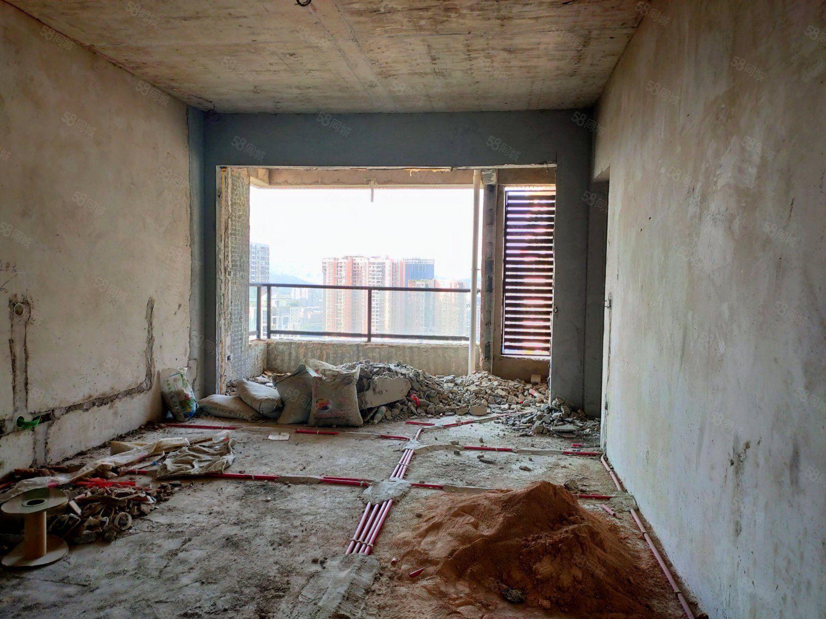 花果山六号江景毛坯房三室两厅两卫水电已装好
