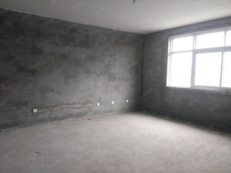 麦肯特国际城市广场3室2厅2卫136.38平米