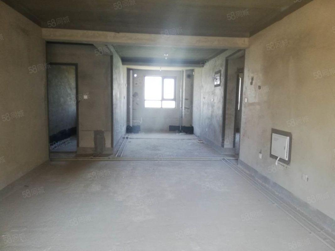 汇龙湾带车位带24平地下室一室一客厅朝阳开德小学