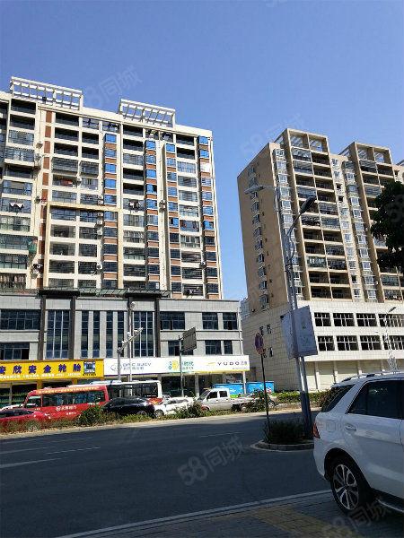 二环路荣成大厦电梯房3房2厅2卫131.96平方售价109万
