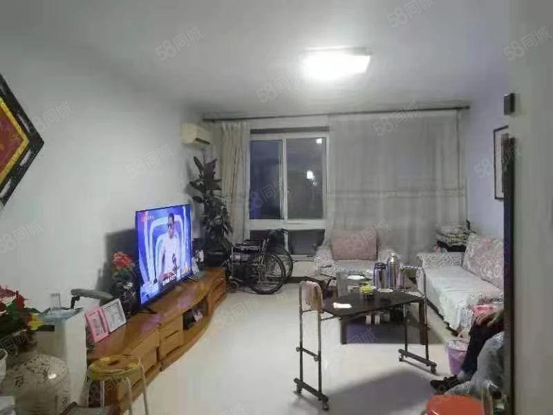 急售工商局家属院三居室48万