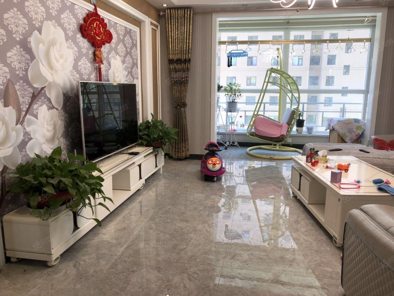 濱河路錦繡家園。精裝修,帶家具帶家電,可按揭,小區環境優美