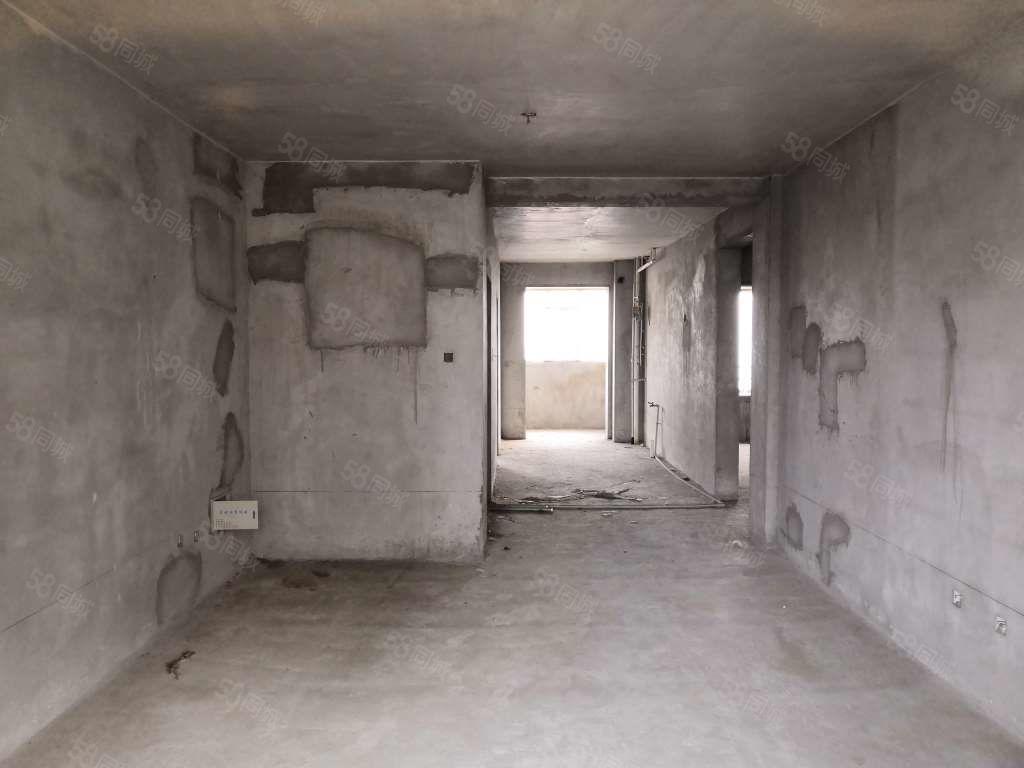 易旺居房產力推房源學去房悅鑫花苑可貸款隨時看三居室