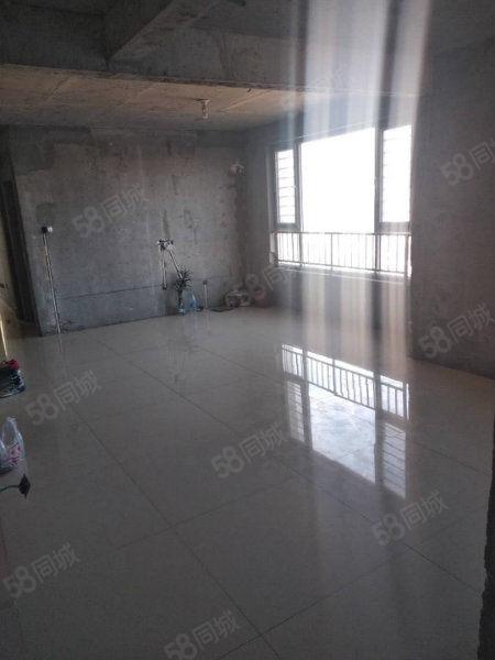 宏业枫华5楼85.65平半装修无大税可贷款有仓房