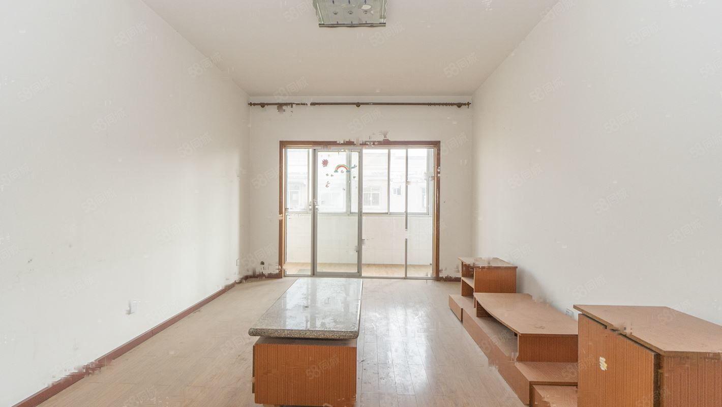 莲湖路多层简装空房两室好位置,好地段可按揭哦