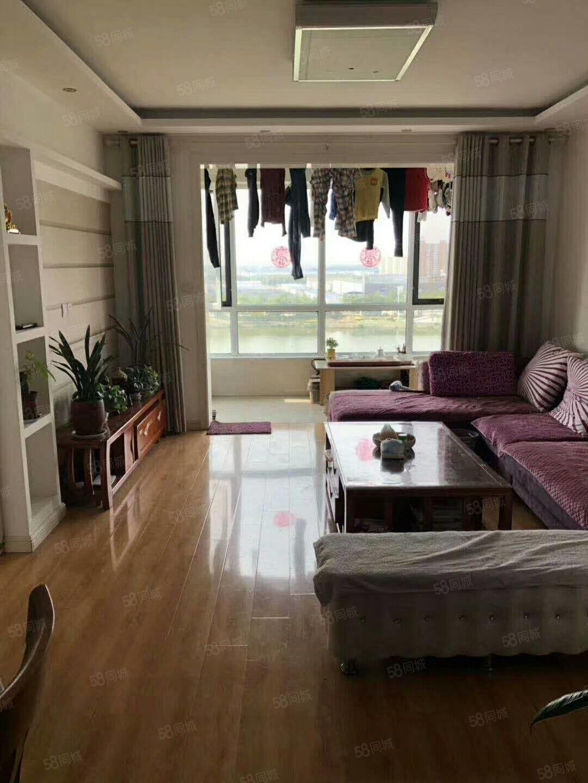 出售金湖康都9楼112平,3室2厅1卫,精装修