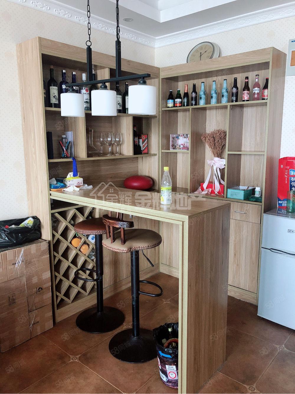 现代城二期精装一居室,家具家电齐全,拎包入住